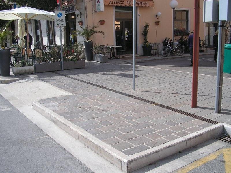 Pavimentazioni per esterni idee per il design della casa - Pavimenti per esterni ikea ...